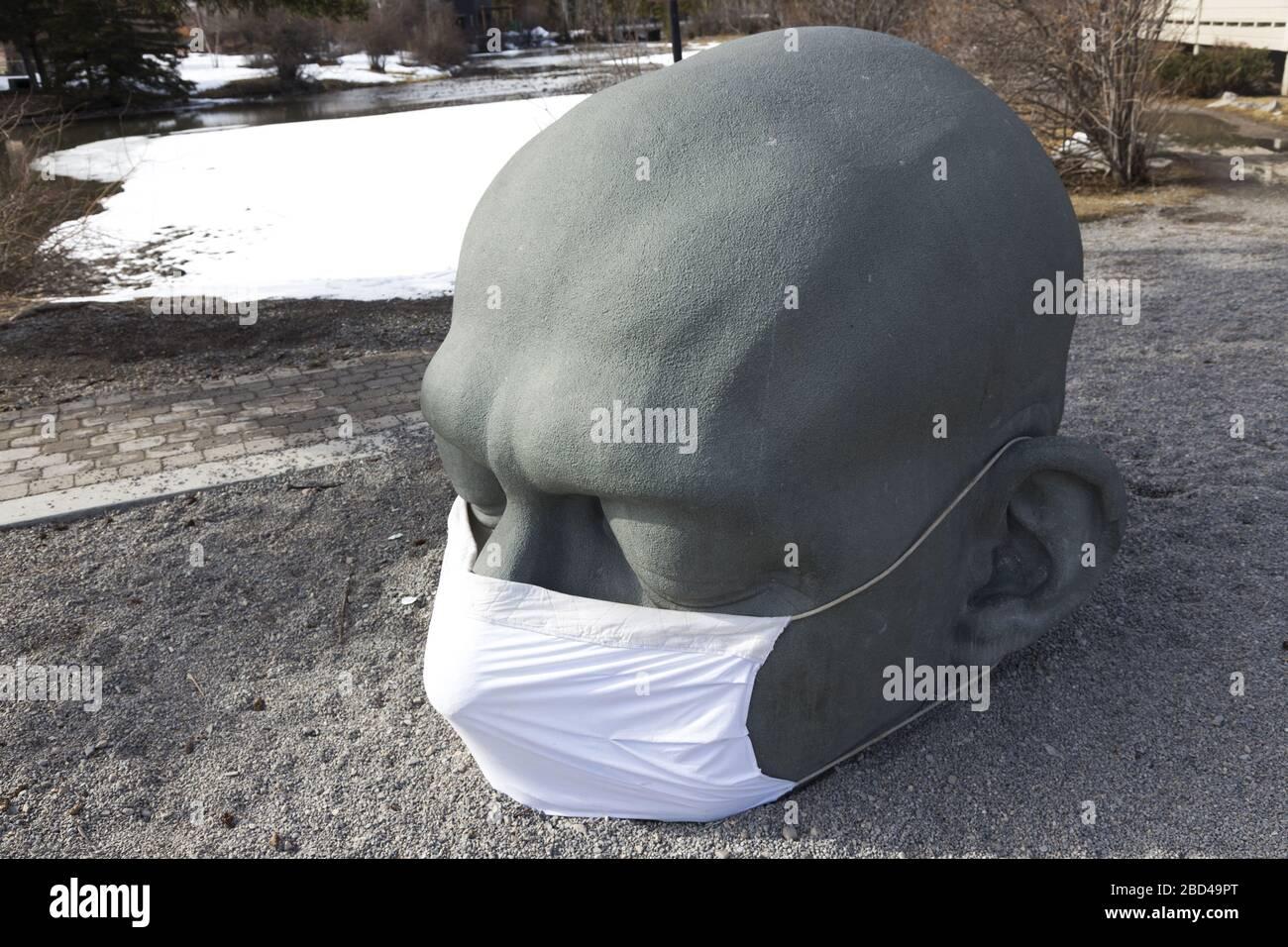 big-head-sculpture-landmark-by-artist-al