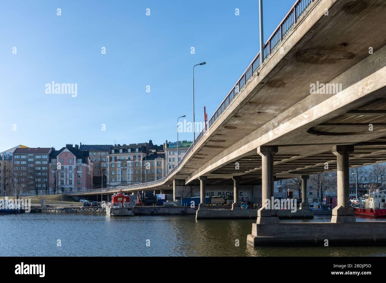 hakaniemi-bridge-over-siltavuorensalmi-w