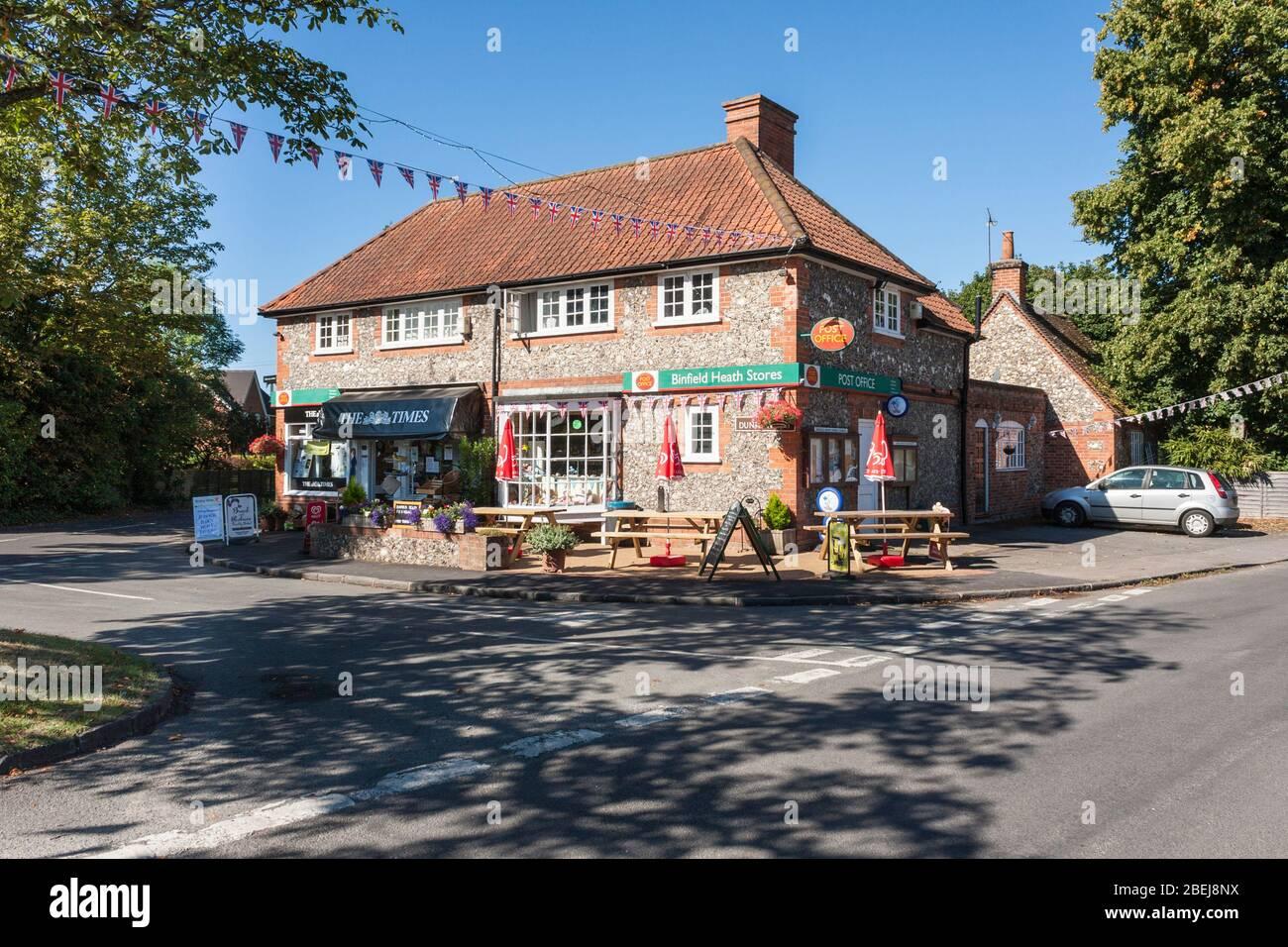 Village sub-Post Office, newsagents and local stores, Binfield Heath, Berkshire, England, GB, UK. Stock Photo