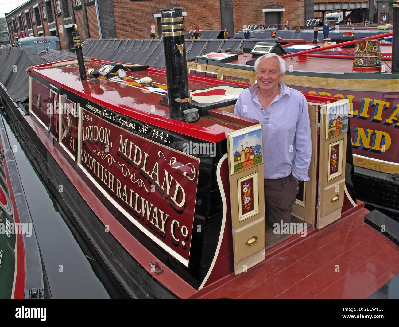 GoTonySmith,@HotpixUK,HotpixUK,British canals,canal,network,boat,carrier,man,person,museum,heritage,transport,dock,docks,meets,Manchester Ship Canal,River Mersey,Cheshire,UK,England,North West England,sailor,boater,waterways,British canal system,water transport,United Kingdom,Industrial Revolution,transportation,water,nationwide canal network,nationwide,canal network,working canal boats,canal transport,tourism,CH65,London Midland Scottish Railway Co,Scottish Railway Co