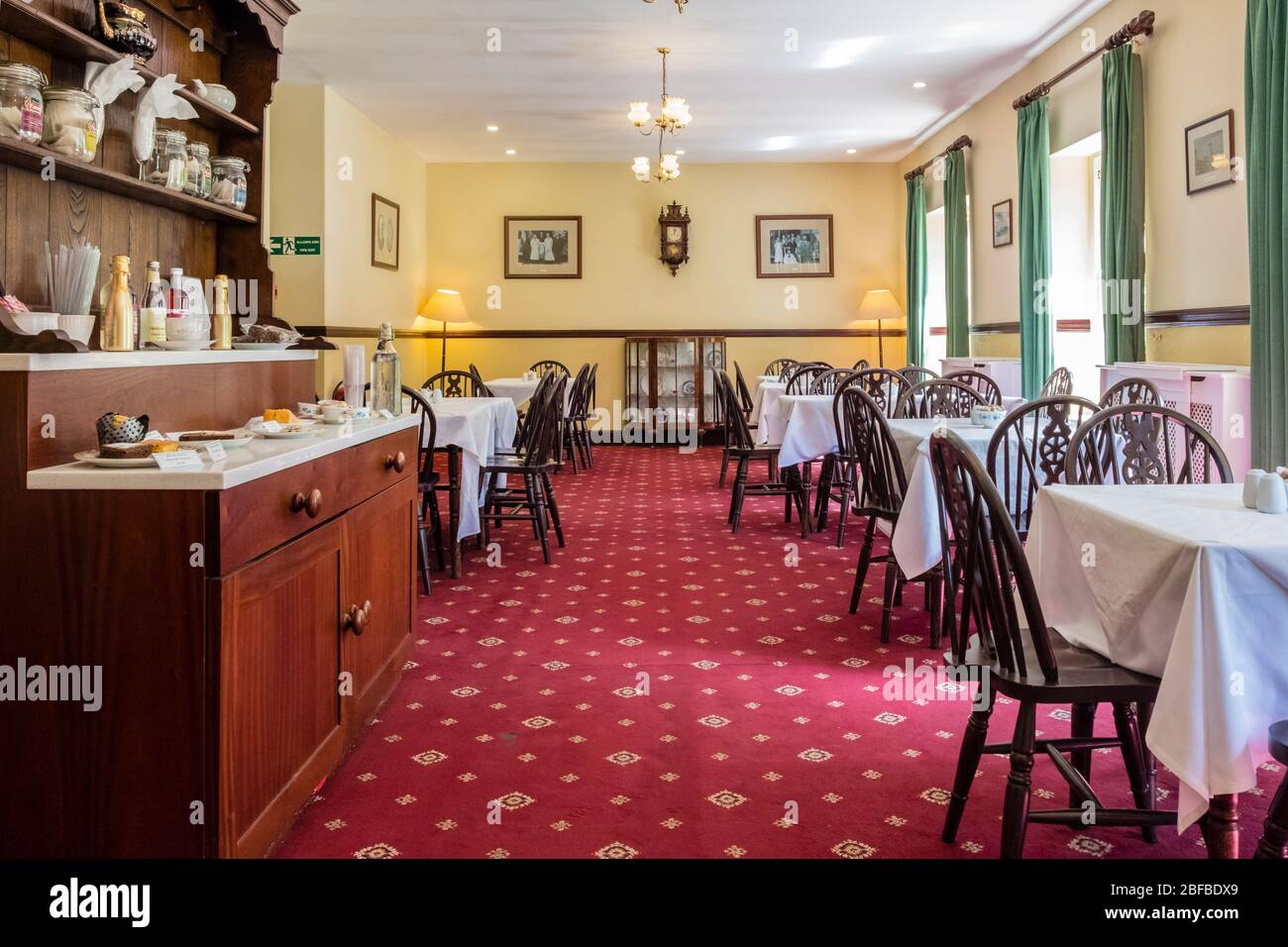 https://c7.alamy.com/comp/2BFBDX9/gwalia-stores-tea-rooms-at-st-fagans-national-museum-of-history-cardiff-wales-gb-uk-2BFBDX9.jpg