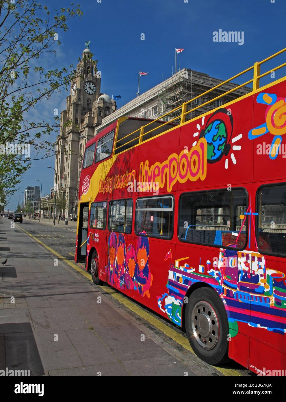 GoTonySmith,HotpixUK,@HotpixUK,North West England,England,City Centre,UK,Great Britain,tourist,travel,visit,visiting Liverpool,red bus,red tour,bus,3 graces,Three Graces,Liverpool red bus,open top bus,opentopped bus,sunny day,sunshine,open topped bus,water front,Unesco World Heritage Site,Royal Liver Building,architecture,Open Top Bus Tour