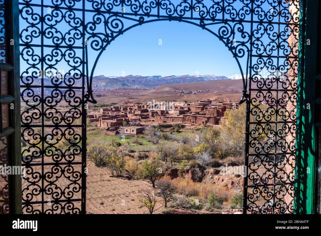 berber-village-of-tlouet-view-from-a-par