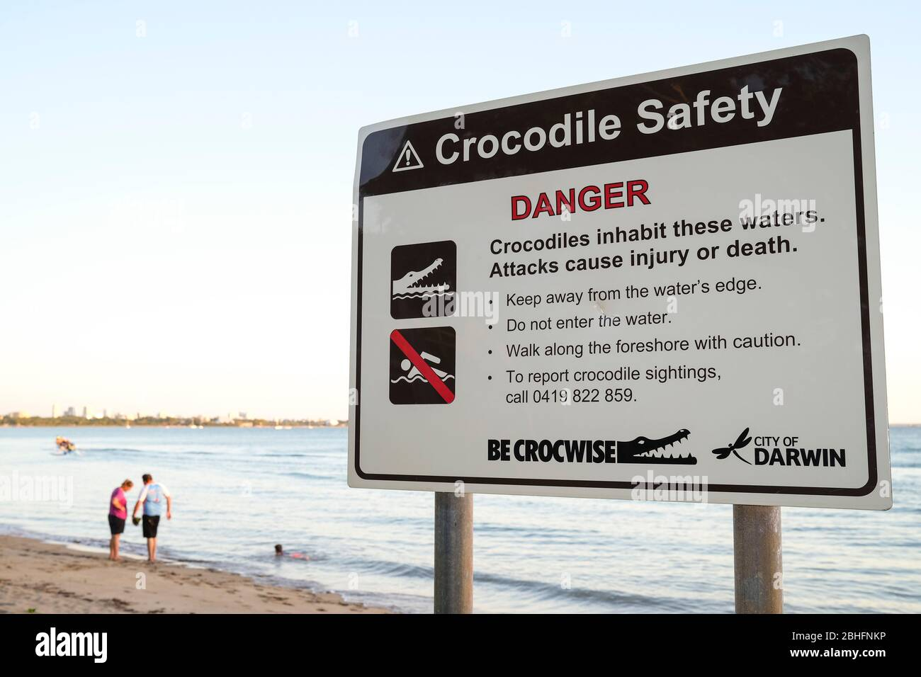 crocodile-safety-sign-on-east-point-beac