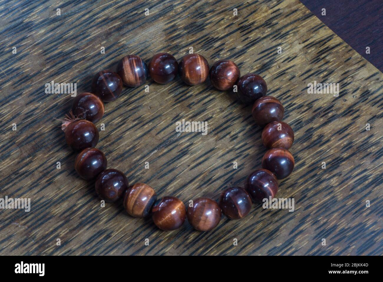 tiger-eye-powerful-stone-helps-you-to-re