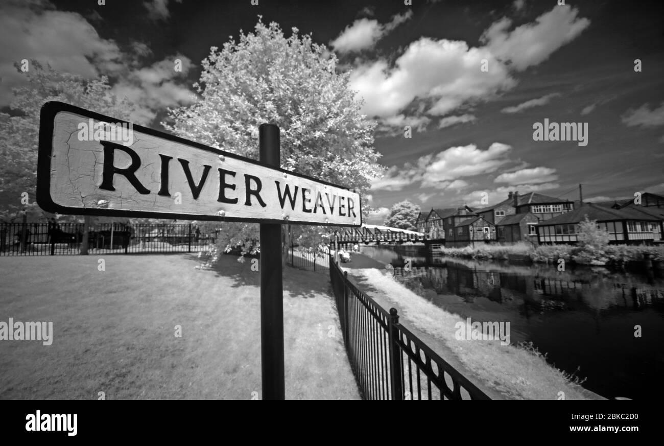 HotpixUK,@HotpixUK,GoTonySmith,IR,Infra Red,Infra-Red,sign,Northwich,Cheshire,England,UK,mono,black white,Black & white,navigation,navigable,Northwich town,town