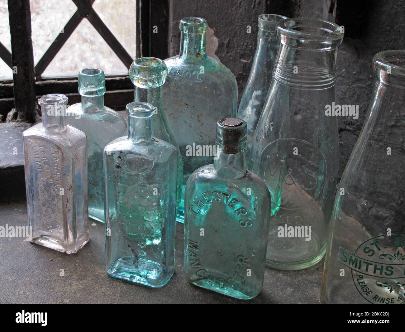 HotpixUK,GoTonySmith,cast iron,cork,hygienic,Antique Victorian Bottles,Antique Victorian,Antique,refuse,find,found,discarded,early recycling,recycling