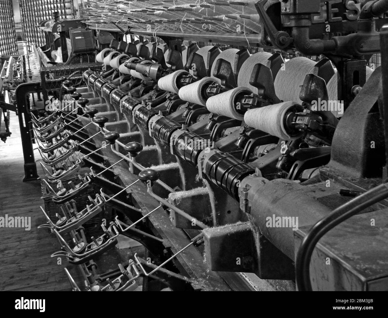 GoTonySmith,HotpixUK,@HotpixUK,Manchester,industry,factory,mill,history,machines,cloth,manufacture,Lancashire,Victorian,mass production,Industrial Revolution,Textile manufacturing,Manchester factory,manufacturing cotton and cloth,cotton yarn,Cotton Mill,Cottonopolis,Inside a Manchester Cotton Mill,1948 Roto-Coner machine,1948,Roto-Coner,machine,RotoConer machine,Roto-Coner machine