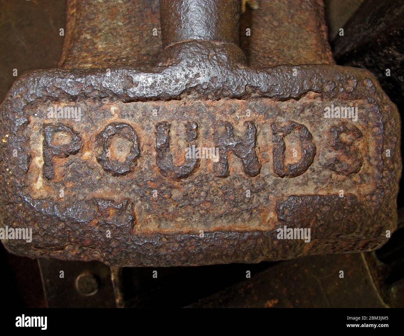 GoTonySmith,HotpixUK,@HotpixUK,Cotton,Manchester,industry,factory,mill,history,machines,cloth,manufacture,Lancashire,factory system,Victorian,rust,letters,lettering,Pound spelt out,Pound spelled out,Pounds spelled out