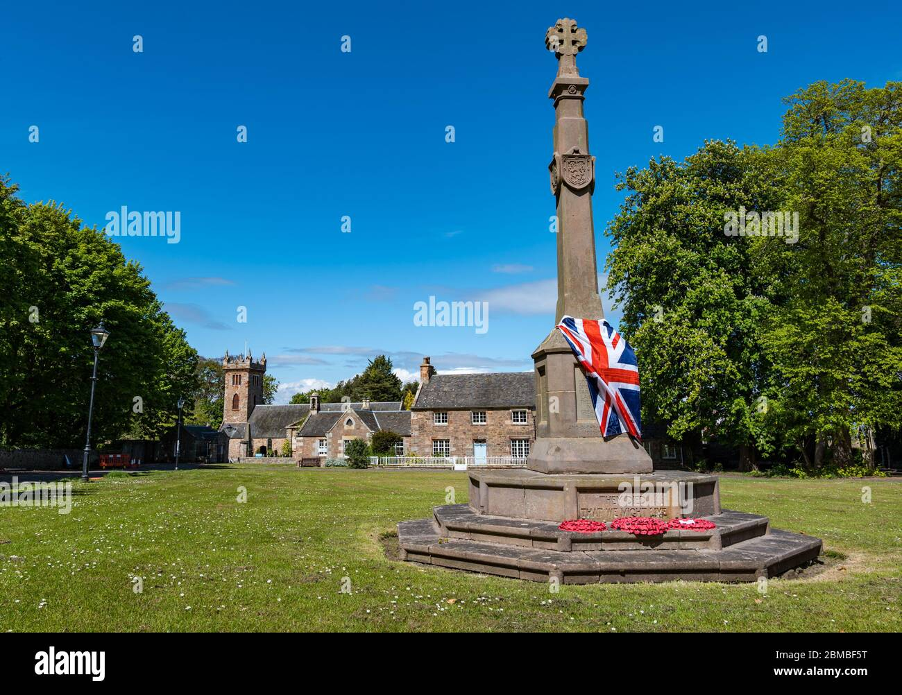 dirleton-village-east-lothian-scotland-u