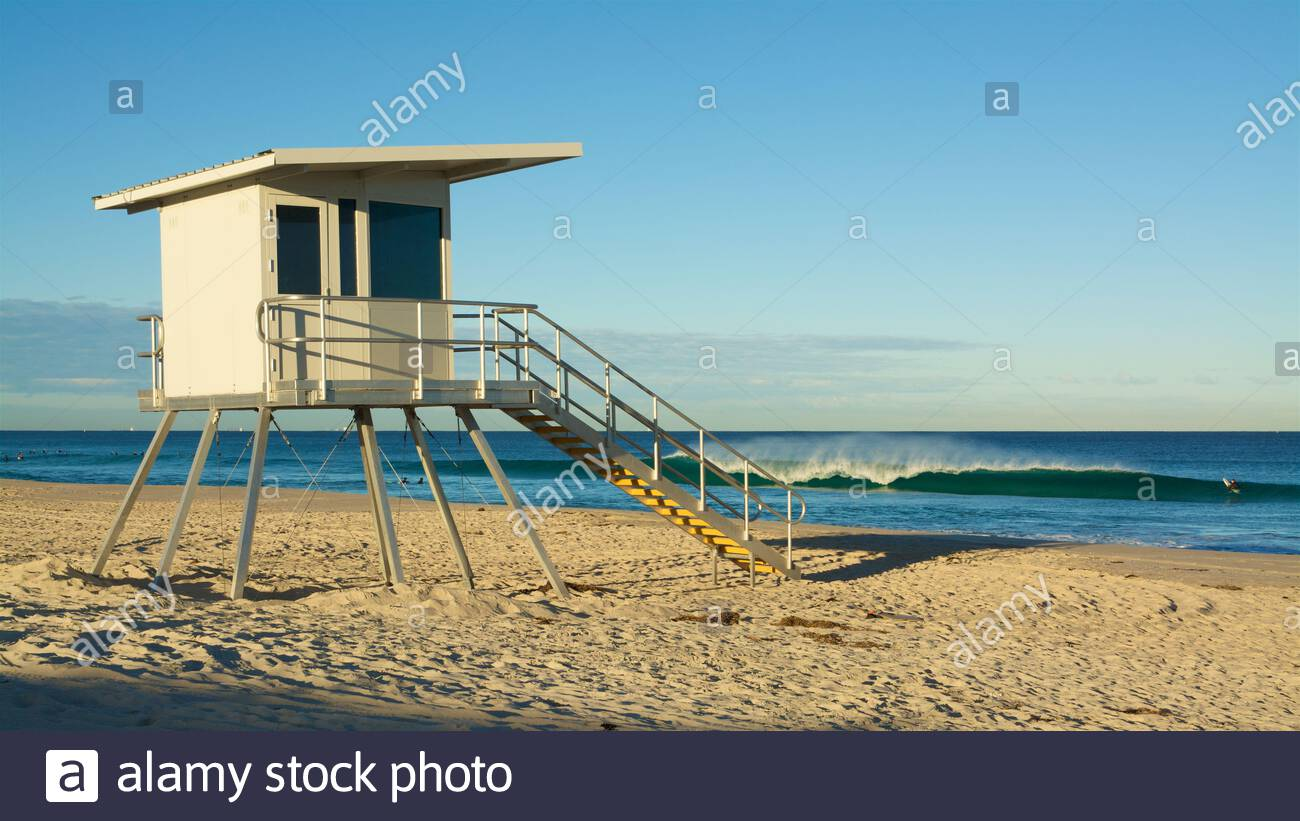 surf-life-saving-observation-tower-on-a-sunny-morning-at-trigg-beach-in-perth-western-australia-2BX5XJX.jpg