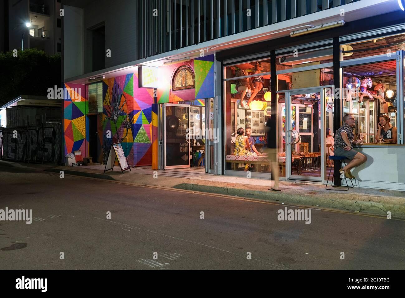 nightlife-at-the-air-raid-arcade-from-au