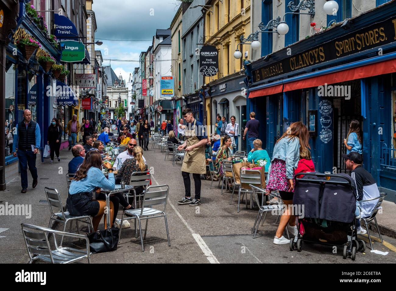 Cork, Ireland. 9th July, 2020. A number of cafés and restaurants in Cork city have implemented 'al fresco' eating on reopening after easing of some Covid-19 restrictions. Cafés are limiting indoor seating and taking customers names and phone numbers for the purposes of contact tracing. Credit: AG News/Alamy Live News Stock Photo