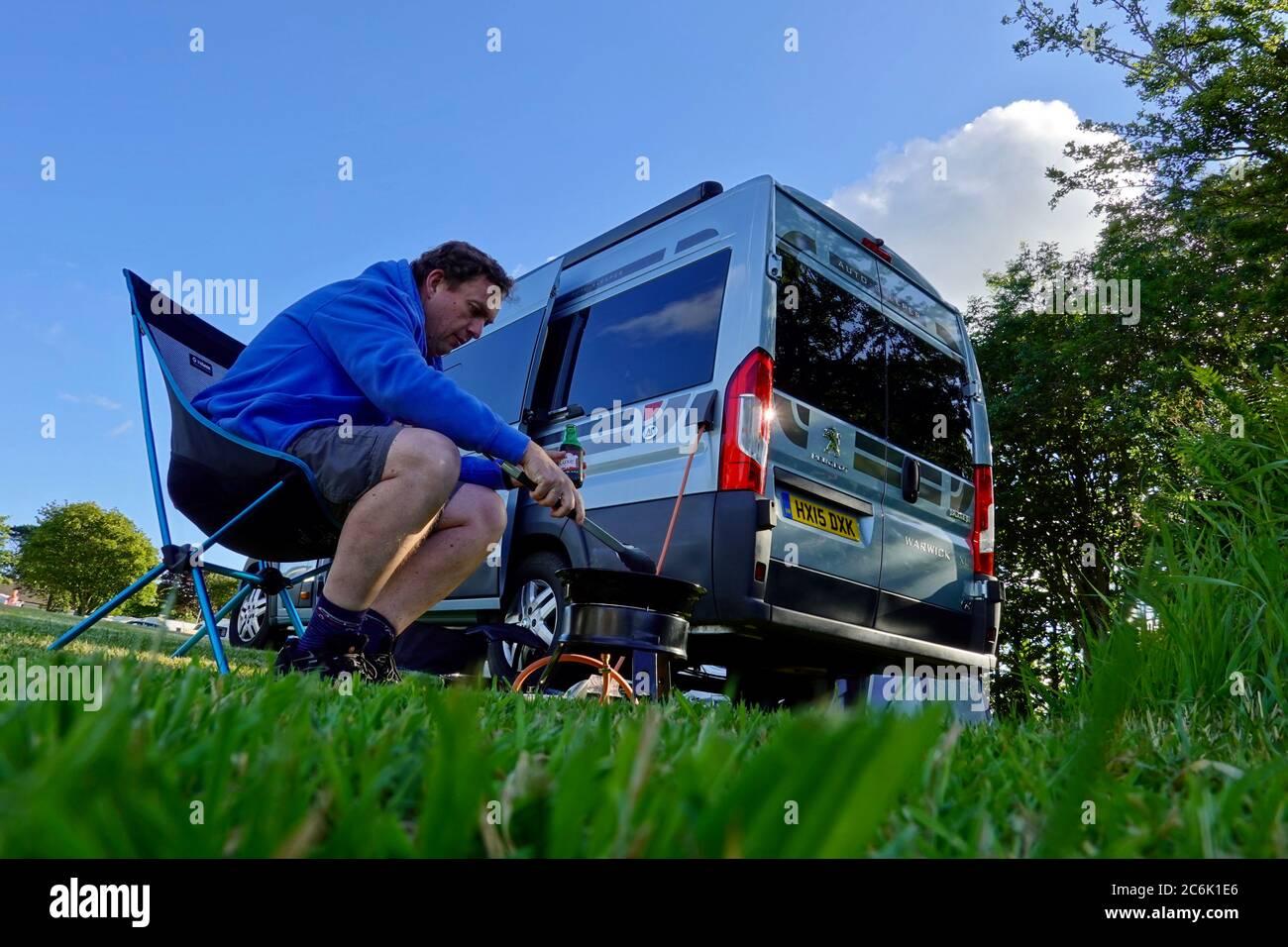 portscatho-uk-10th-july-2020-caravan-sit