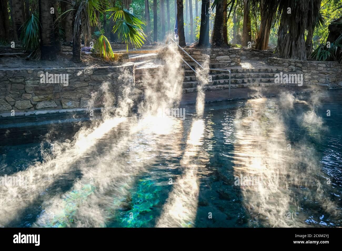mataranka-thermal-pool-in-the-elsey-nati