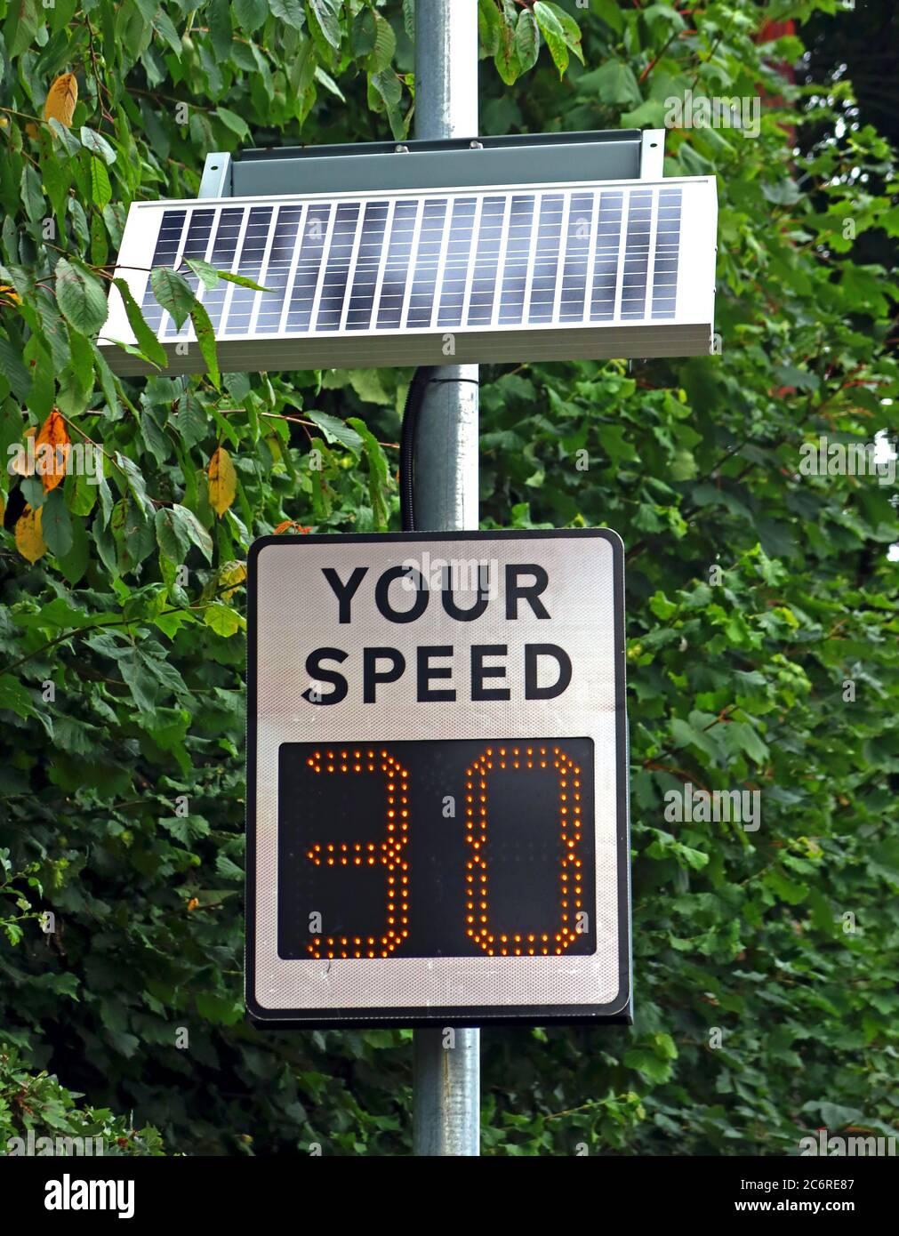 GoTonySmith,HotpixUK,@HotpixUK,England,Cheshire,UK,Warrington,Grappenhall,Thelwall,motorist,driver,community,group,problem of speeding traffic,problem,traffic,30 zone,30mph,zone,30 mph,solar powered,radar,speed radar,WA4,keeping to 30mph,limit,30 means 30,30means30