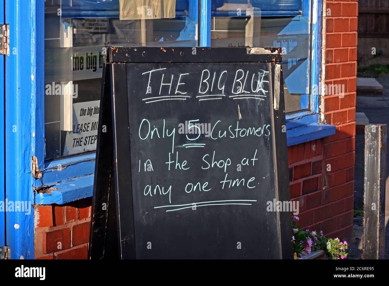 GoTonySmith,HotpixUK,@HotpixUK,England,Cheshire,UK,Warrington,Thelwall,food,Big Blue,Chippy,fish & chips,fish,chips,fried,award winning,awards,shop,retail,Knutsford Rd,WA4,Social Distancing,5 customers,customers,five,Corona Virus,Covid19,outside,two metre,two metres,distancing,safe,safety
