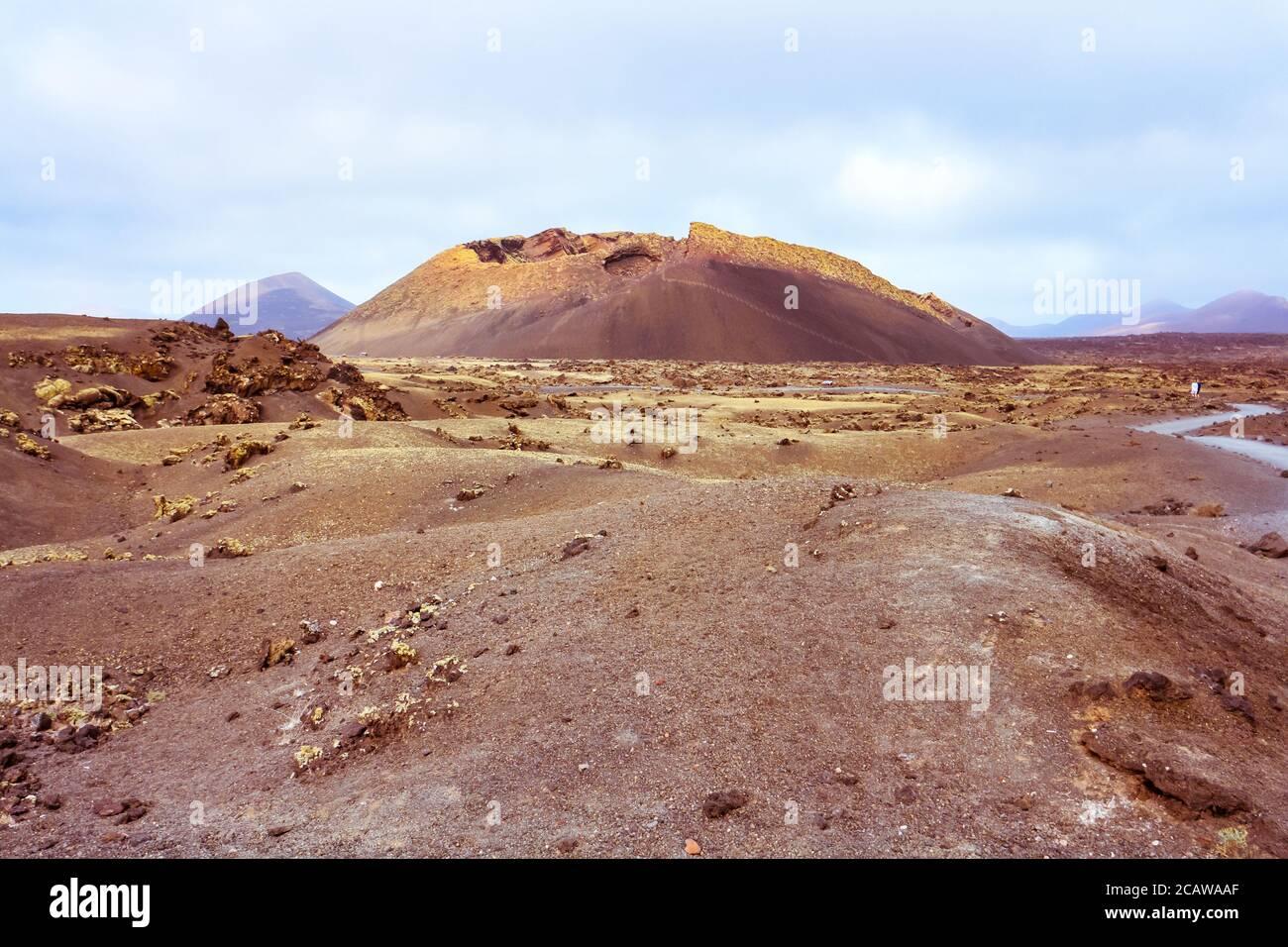 barren-volcanic-landscape-with-el-cuervo