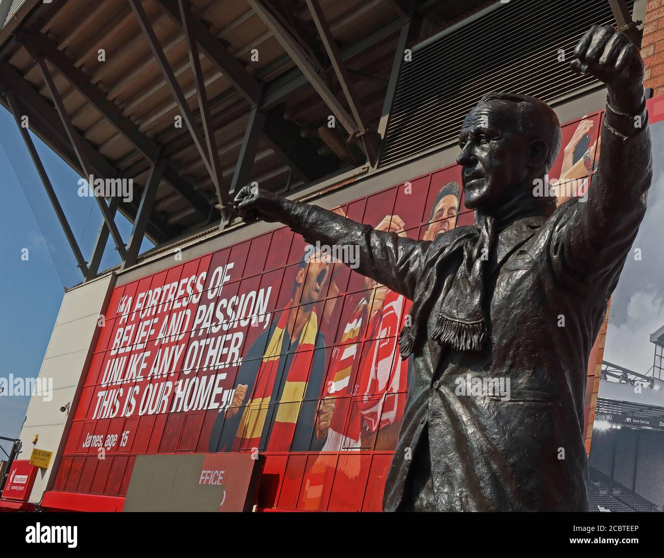 GoTonySmith,HotpixUK,@HotpixUK,England,UK,Britain,Great Britain,Liverpool,city centre,Merseyside,L4,Ground,Stadia,Stadium,Youll Never walk alone,Never Walk alone,reds,the reds,football,Premier League,statue,bronze,William Shankly,OBE,manager,arms,stretched,outstretched,LFC Manager