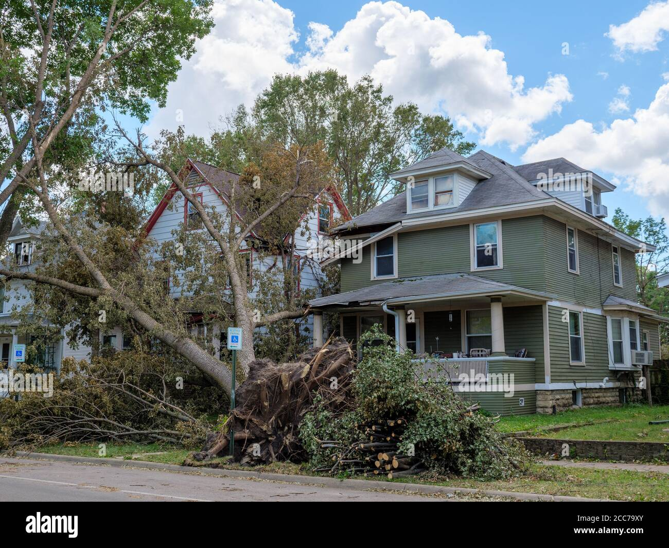 damage-from-derecho-of-august-10-2020-we