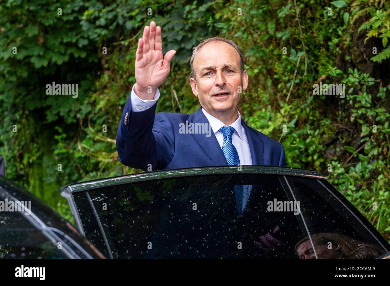 skibbereen-west-cork-ireland-20th-aug-2020-an-taoiseach-michel-martin-visited-the-victims-of-last-nights-floods-in-skibbereen-credit-ag-newsalamy-live-news-2CCAMJ9.jpg