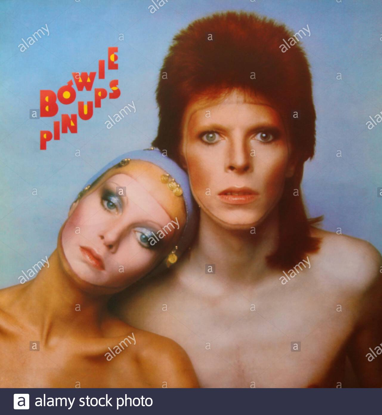 original-12-inch-album-pin-ups-by-david-bowie-vinyl-disc-released-19-october-1973-front-cover-2CCR0YN.jpg