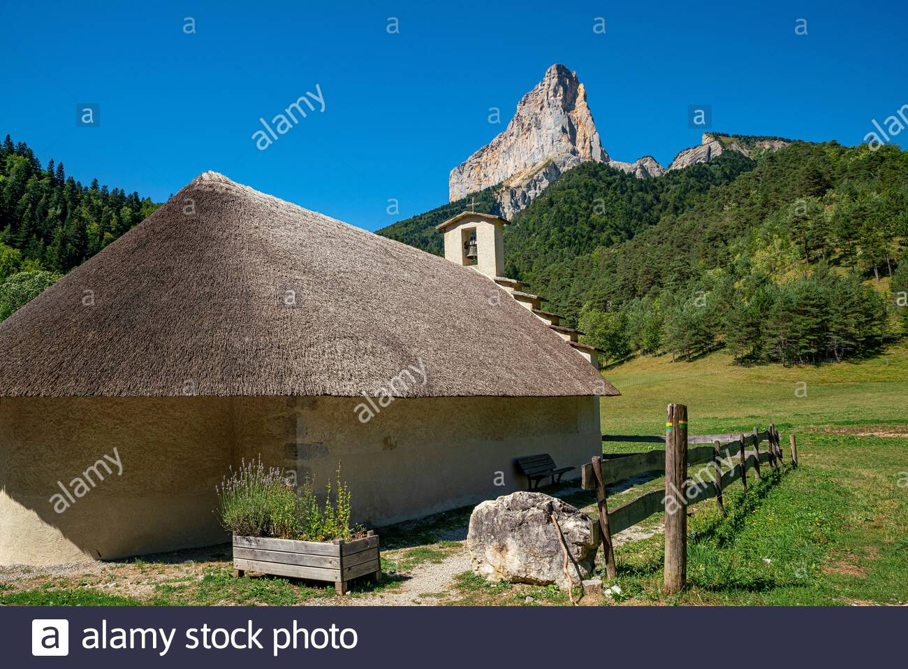 trzanne-thatched-roof-romanesque-chapel-