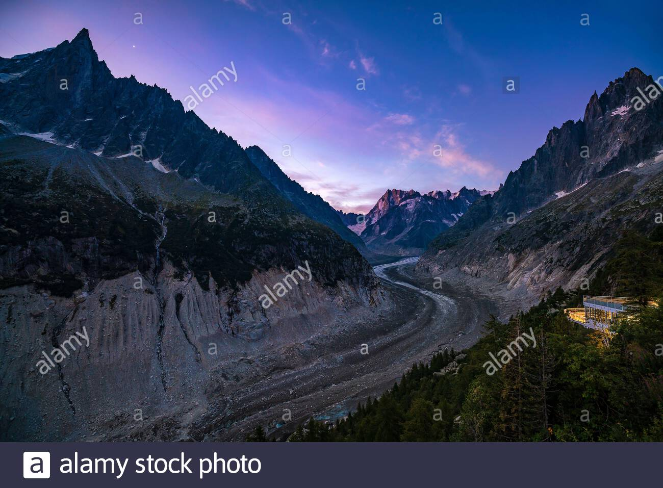 the-aiguille-du-dru-mountain-and-the-sea