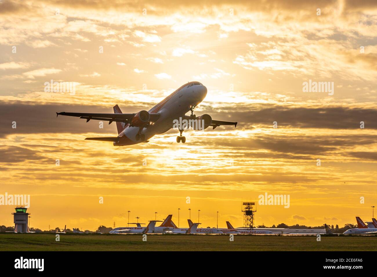 london-southend-airport-essex-uk-31th-aug-2020-as-the-sun-rises-over-the-airport-the-days-of-orange-easyjet-at-london-southend-airport-are-ending-as-the-airline-is-closing-its-base-the-first-easyjet-departure-at-0645-flight-u27421-to-palma-de-mallorca-with-the-airline-due-to-fly-its-final-services-later-in-the-day-it-marks-the-end-of-easyjet-at-southend-with-the-loss-of-many-jobs-a-number-of-easyjet-planes-remain-stored-due-to-the-covid-19-pandemic-2CE6FA6.jpg