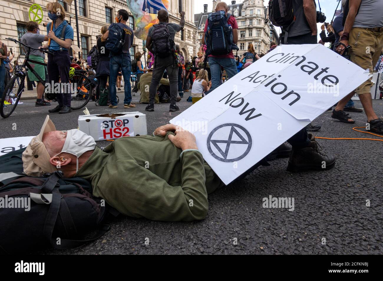 westminster-london-uk-1st-september-2020-rebellion-extinction-london-protest-first-of-10-days-of-planned-climate-change-actions-earlier-xr-protestors-had-marched-with-placards-and-banners-from-trafalgar-square-and-occupied-parliament-square-and-the-roads-encircling-it-protestors-were-calling-on-parliament-to-back-the-climate-and-ecological-emergency-bill-cee-bill-as-time-progressed-the-metropolitan-police-made-arrests-clearing-the-area-in-front-of-parliament-and-some-protesters-started-to-leave-multiple-protests-were-planned-to-take-place-around-the-uk-credit-stephen-bellalamy-2CFKNBJ.jpg