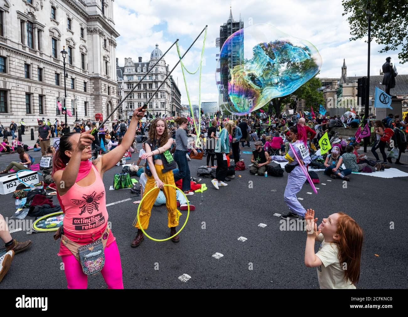 westminster-london-uk-1st-september-2020-rebellion-extinction-london-protest-first-of-10-days-of-planned-climate-change-actions-earlier-xr-protestors-had-marched-with-placards-and-banners-from-trafalgar-square-and-occupied-parliament-square-and-the-roads-encircling-it-protestors-were-calling-on-parliament-to-back-the-climate-and-ecological-emergency-bill-cee-bill-as-time-progressed-the-metropolitan-police-made-arrests-clearing-the-area-in-front-of-parliament-and-some-protesters-started-to-leave-multiple-protests-were-planned-to-take-place-around-the-uk-credit-stephen-bellalamy-2CFKNC0.jpg
