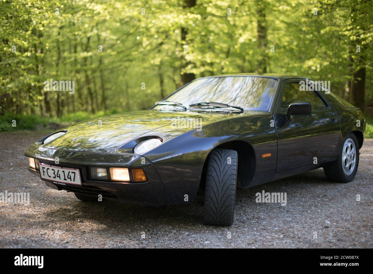 porsche-928-from-1979-the-car-was-meant-