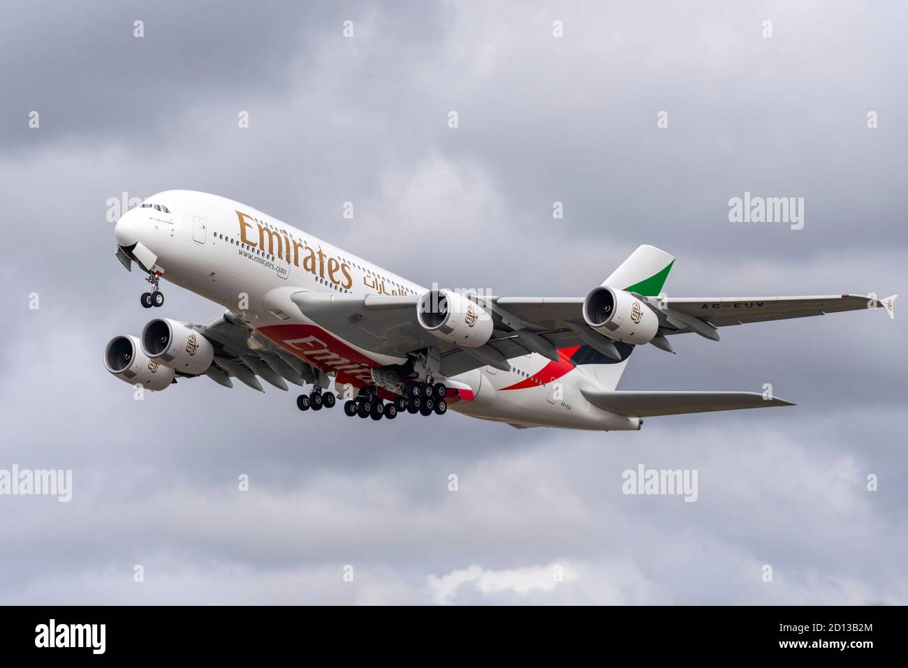 emirates-airbus-a380-jet-airliner-plane-a6-euv-taking-off-in-bad-weather-from-london-heathrow-airport-uk-super-jumbo-against-cloudscape-2D13B2M.jpg