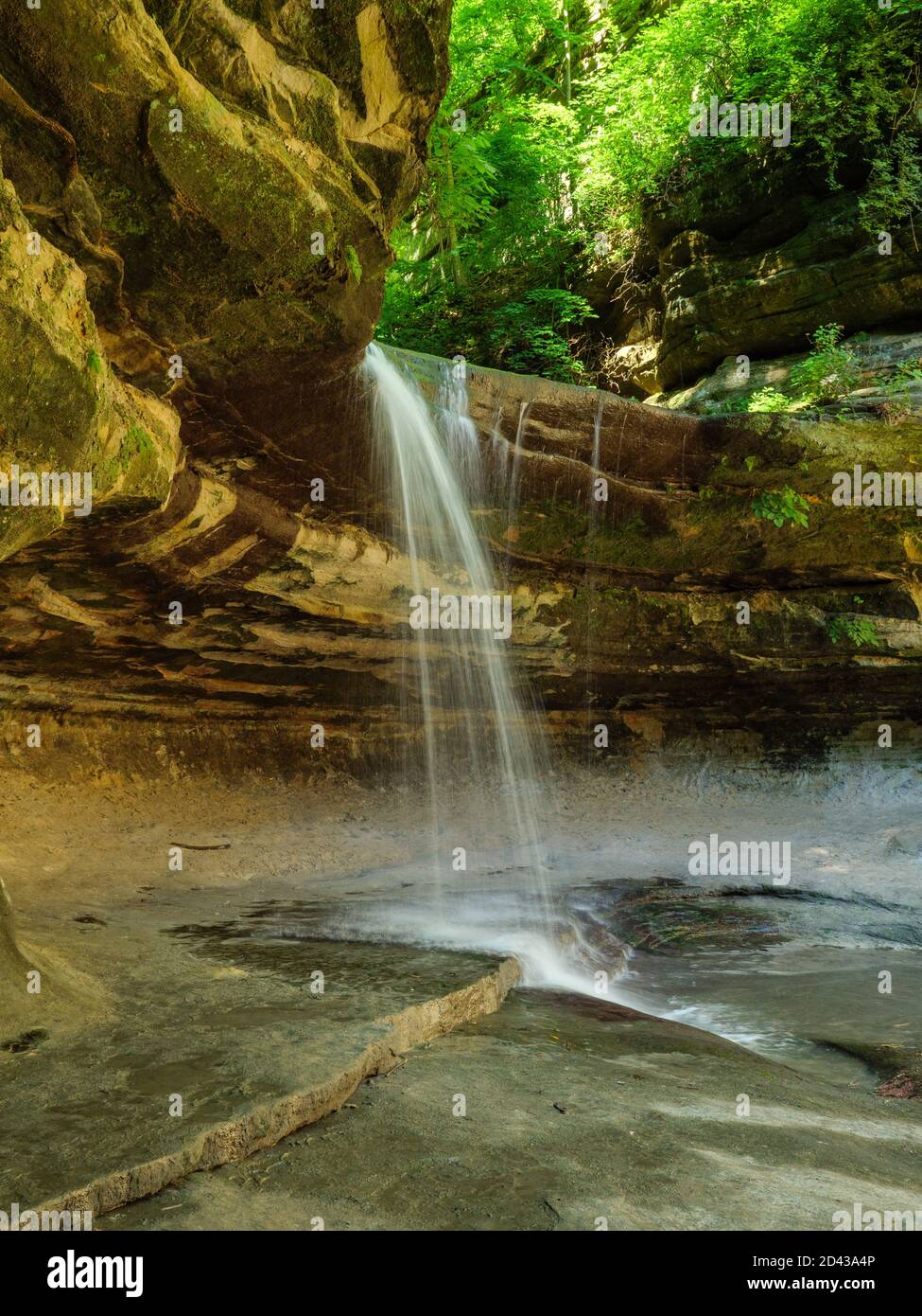 lasalle-canyon-falls-starved-rock-state-