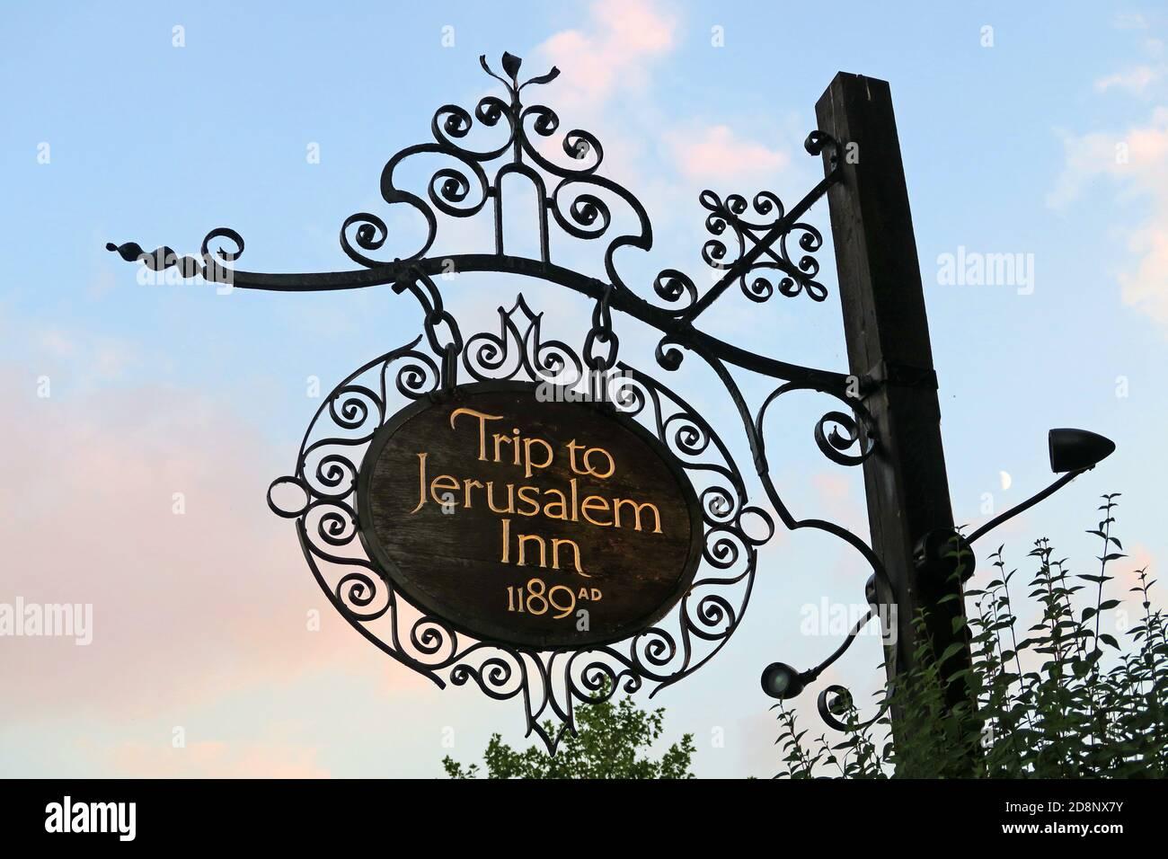 HotpixUK,@HotpixUK,GoTonySmith,UK,England,Great Britain,GB,Nottingham,pub,bar,CAMRA,listed building,oldest bar,old,historic,dusk,evening,sign,city centre,Nottingham city centre,Notts,Nottinghamshire,NG1,east Midlands,Oldest Inn In England,medieval,historic building,1189,Castle Rock,Nottingham Castle,brewhouse,1799,The Pilgrim,the Trip,Brew House Yard,Nottingham Castle Brewhouse,pub sign