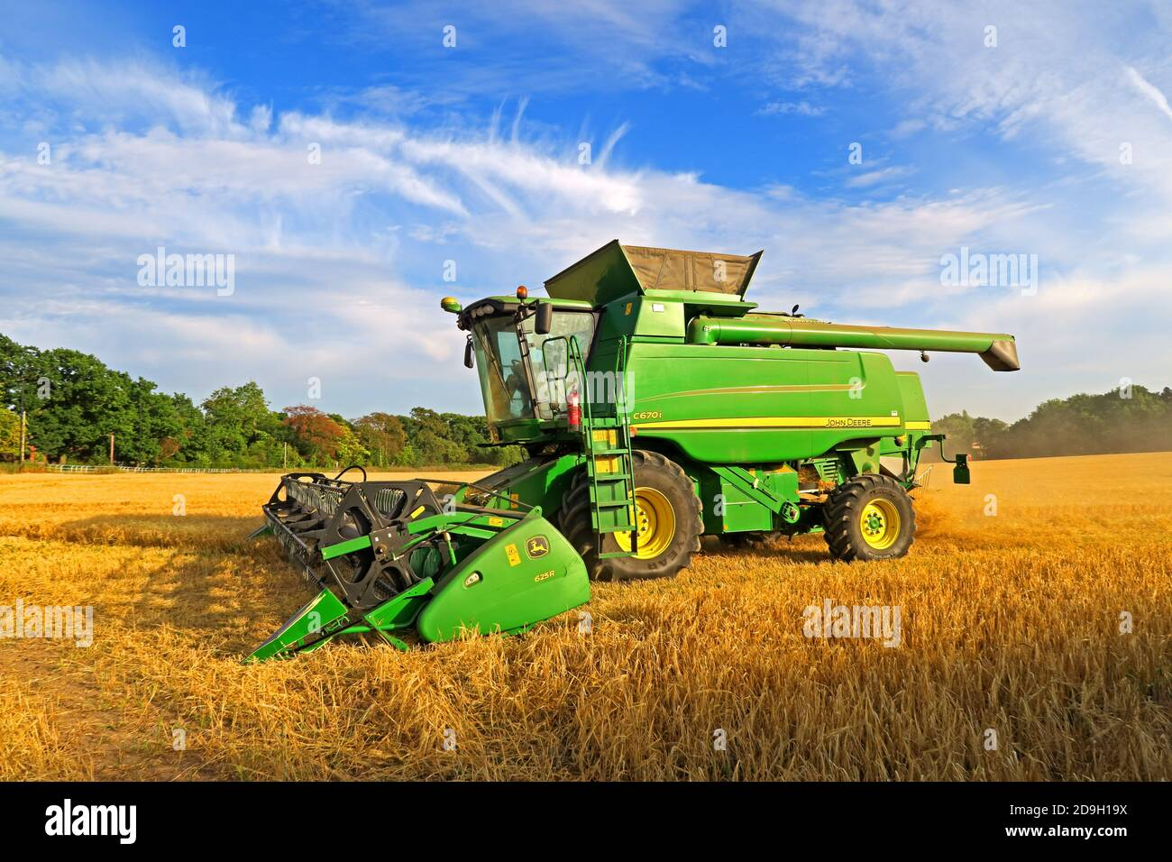 GoTonySmith,Hotpixuk,@HotpixUK,Cheshire,UK,England,C670i,combine harvester,farm machinery,Grappenhall,combine,rural,country,arable crop,autumn,crop,late summer,bringing the harvest in,harvest time,C670i combine,green,vehicle,Green John Deere Hillmaster C670i combine harvester,Green John Deere,Hillmaster C670i,Green John Deere Hillmaster C670i,Hillmaster C670i combine harvester,Cheshire farming,grain,straw,productivity,Brexit farming,grain price,threat,British,exports,automated combine,WA4,agriculture
