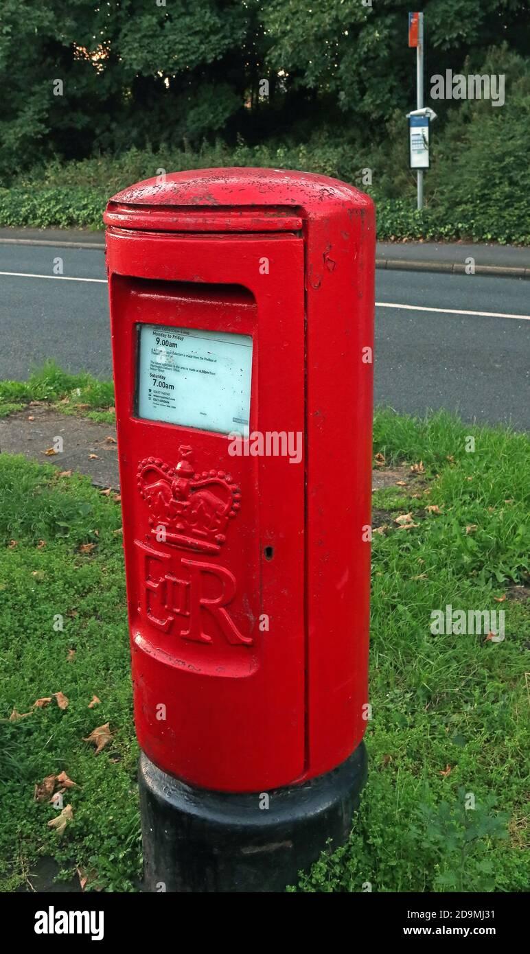 GoTonySmith,HotpixUK,@HotpixUK,Warrington,Cheshire,England,UK,red,bus stop,modern,modern life is rubbish