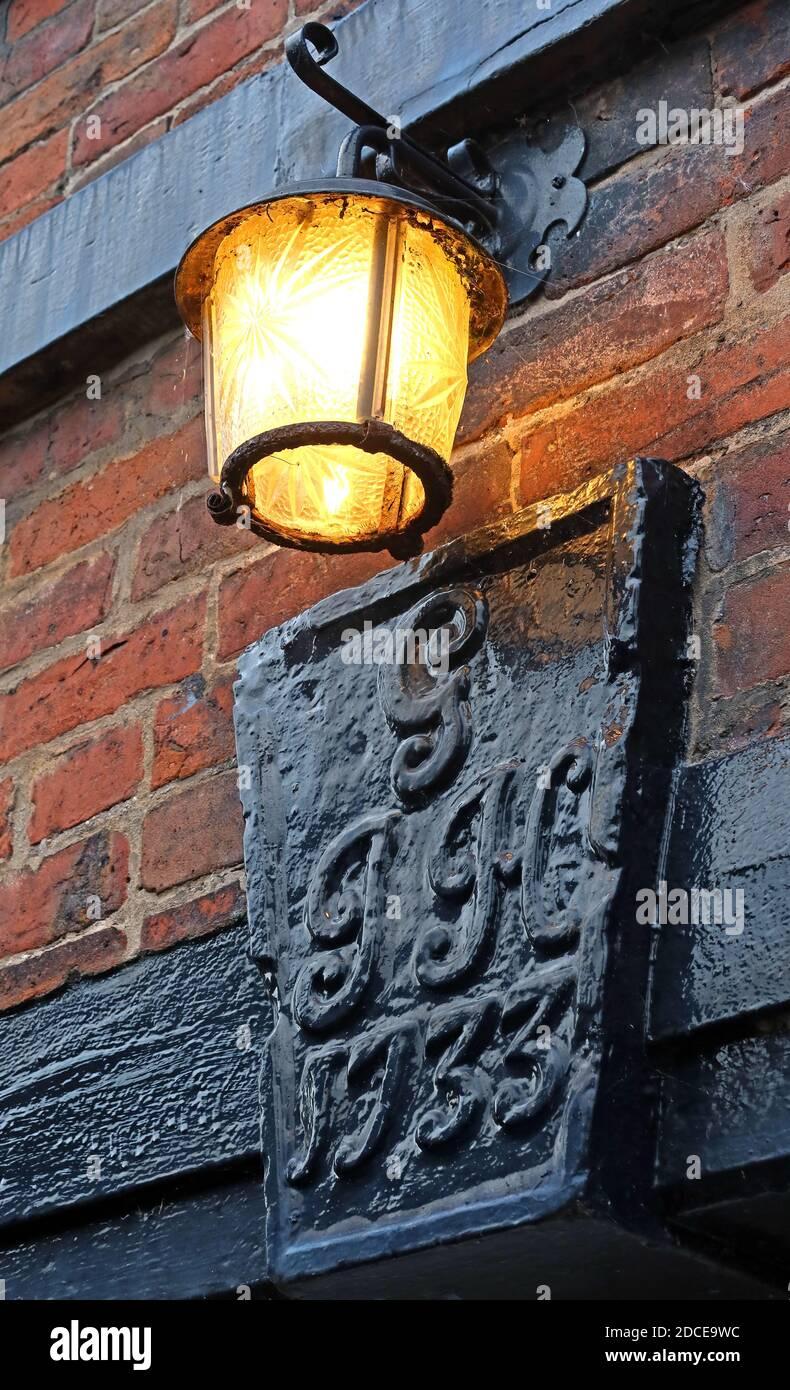 Hotpixuk,England,@Hotpixuk,UK,GB,Great Britain,GoTonySmith,Cheshire,Historic lamp at 1A and 3 Lymm Bridge,Bridgewater Canal,Lymm,Warrington,WA13,cottage,light,listed building,historic,1A and 3 Lymm Bridge,1A Lymm bridge,3 Lymm Bridge,bridge cottage,bridge cottages,1733,heritage,1227226