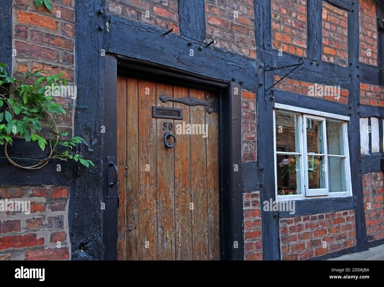 GoTonySmith,Hotpixuk,@Hotpixuk,historic,history,Northwich,Cheshire,England,UK,number50,timber,building,brick,mix,wooden door,old,50 Church street,tudor,frame,framed,style,CW9