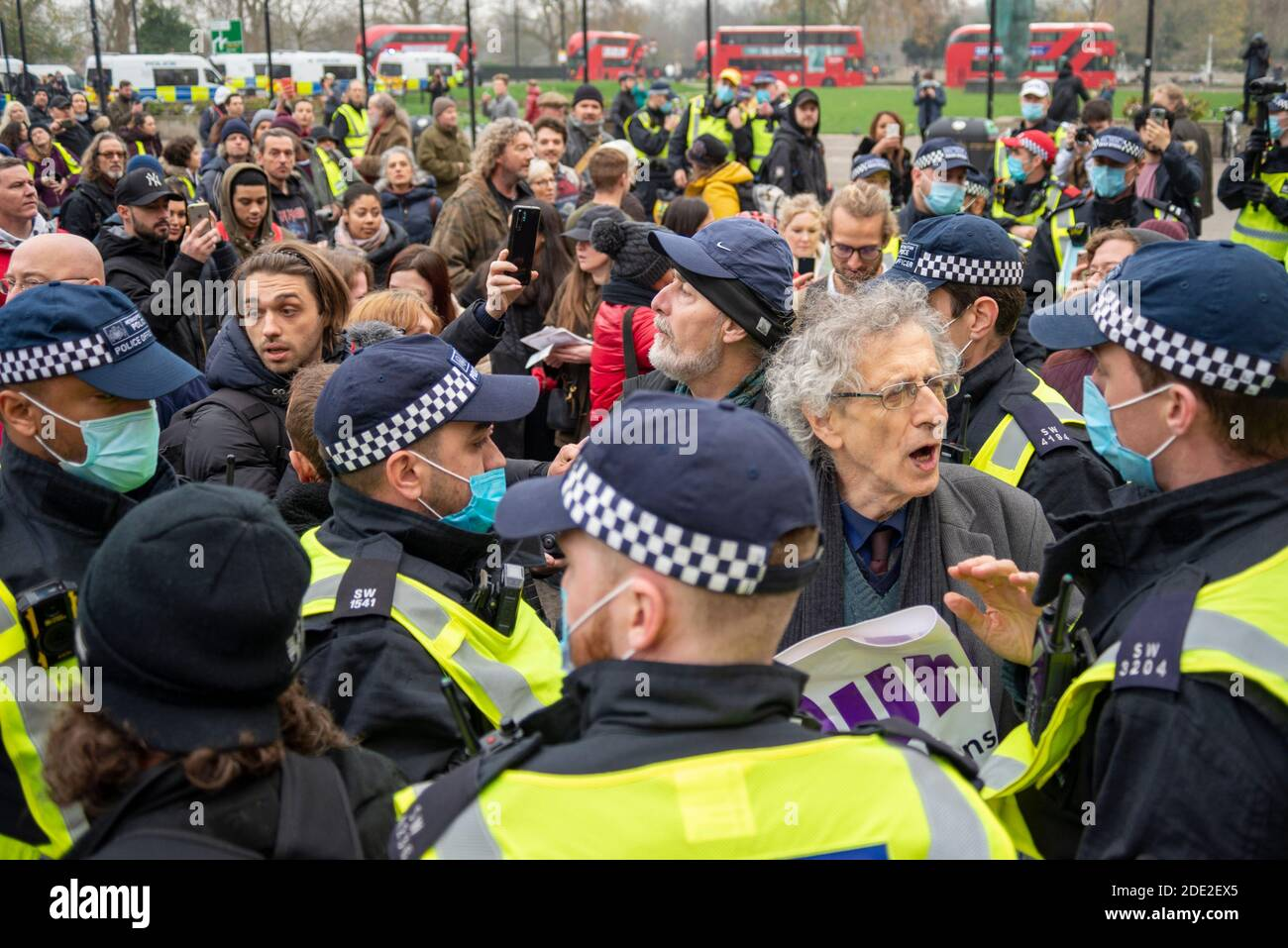 marble-arch-london-uk-28th-nov-2020-a-protest-is-taking-place-against-the-lockdown-restrictions-in-place-for-the-covid-19-coronavirus-pandemic-despite-the-metropolitan-police-issuing-a-statement-to-remind-protesters-that-such-a-gathering-would-be-unlawful-during-the-current-regulations-many-still-attended-protesters-joined-piers-corbyn-at-speakers-corner-and-headed-out-corbyn-was-surrounded-by-police-in-marble-arch-in-an-attempt-to-stop-the-protest-corbyn-was-later-arrested-2DE2EX5.jpg