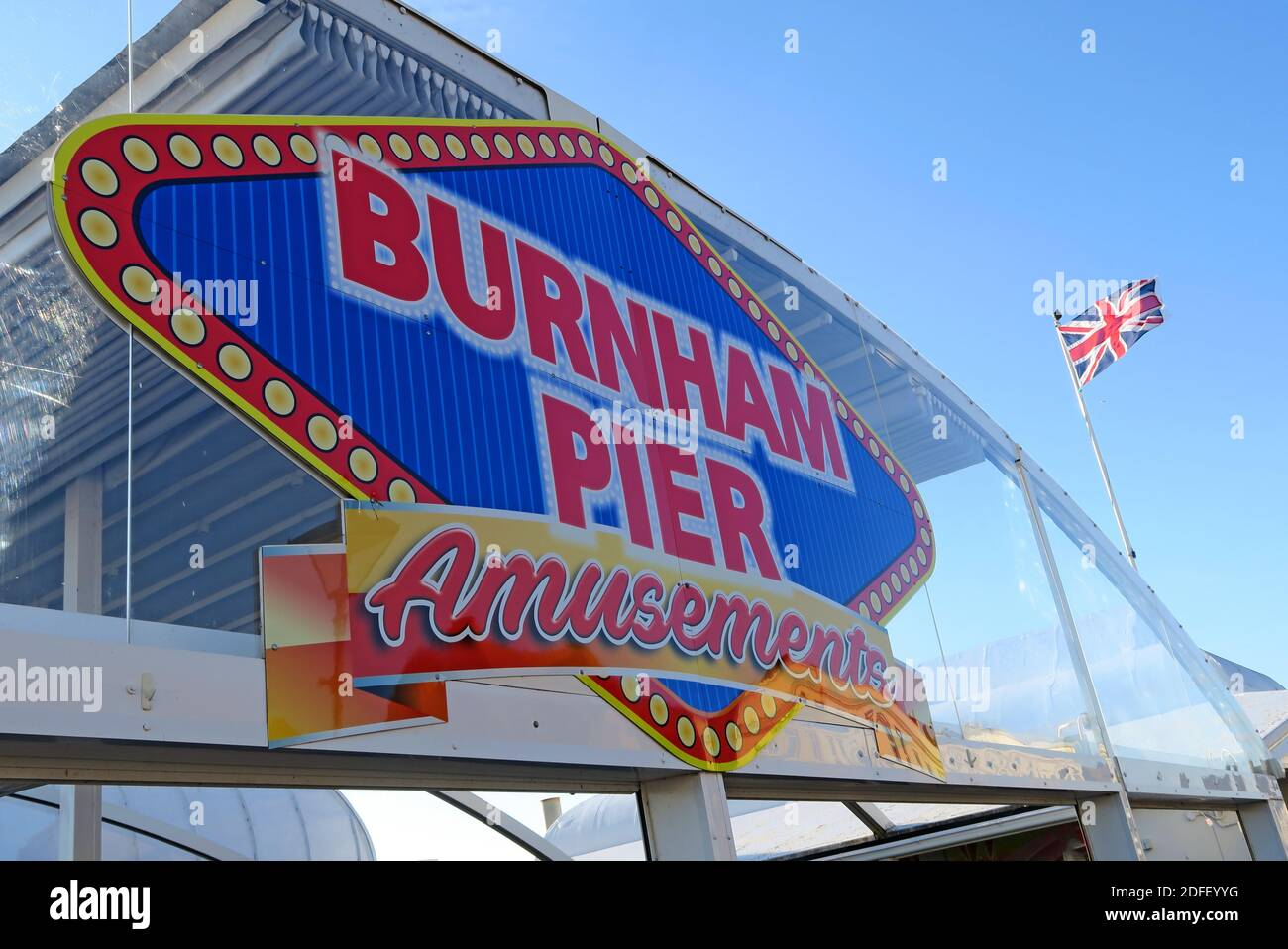 @Hotpixuk,Hotpixuk,GoTonySmith,South west,England,UK,with a,Union Flag,Amusements,Brexit,holiday,holidays,in UK,in Britain,resort,slot machines,amusement arcade,seaside resort,Highbridge,town council,Somerset Levels,bright,colours,colourful