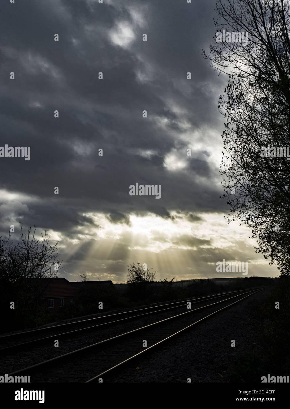 suns-rays-penetrating-clouds-2E14EFP.jpg