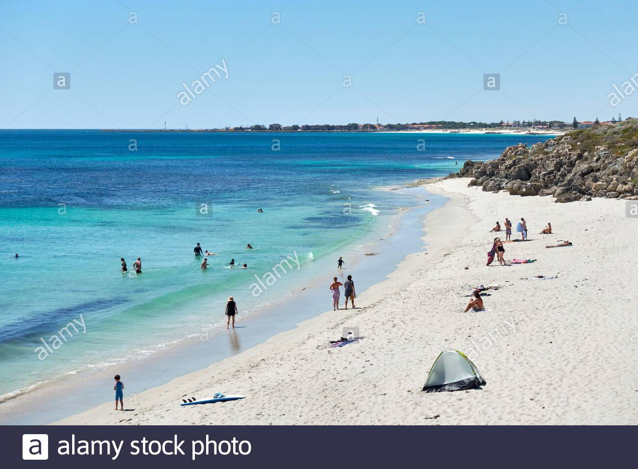 people-enjoying-the-ocean-at-watermans-beach-on-a-hot-summers-day-in-the-perth-suburb-of-watermans-bay-western-australia-2E1XJR5.jpg