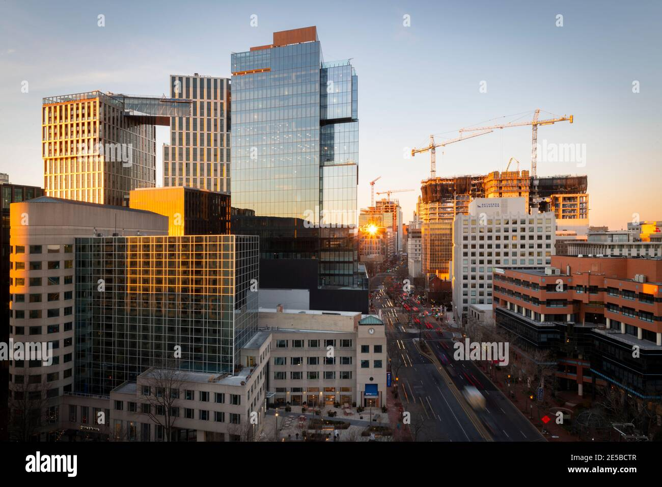 usa-maryland-md-bethesda-skyline-at-evening-with-new-construction-of-office-and-residential-buildings-2E5BCTR.jpg
