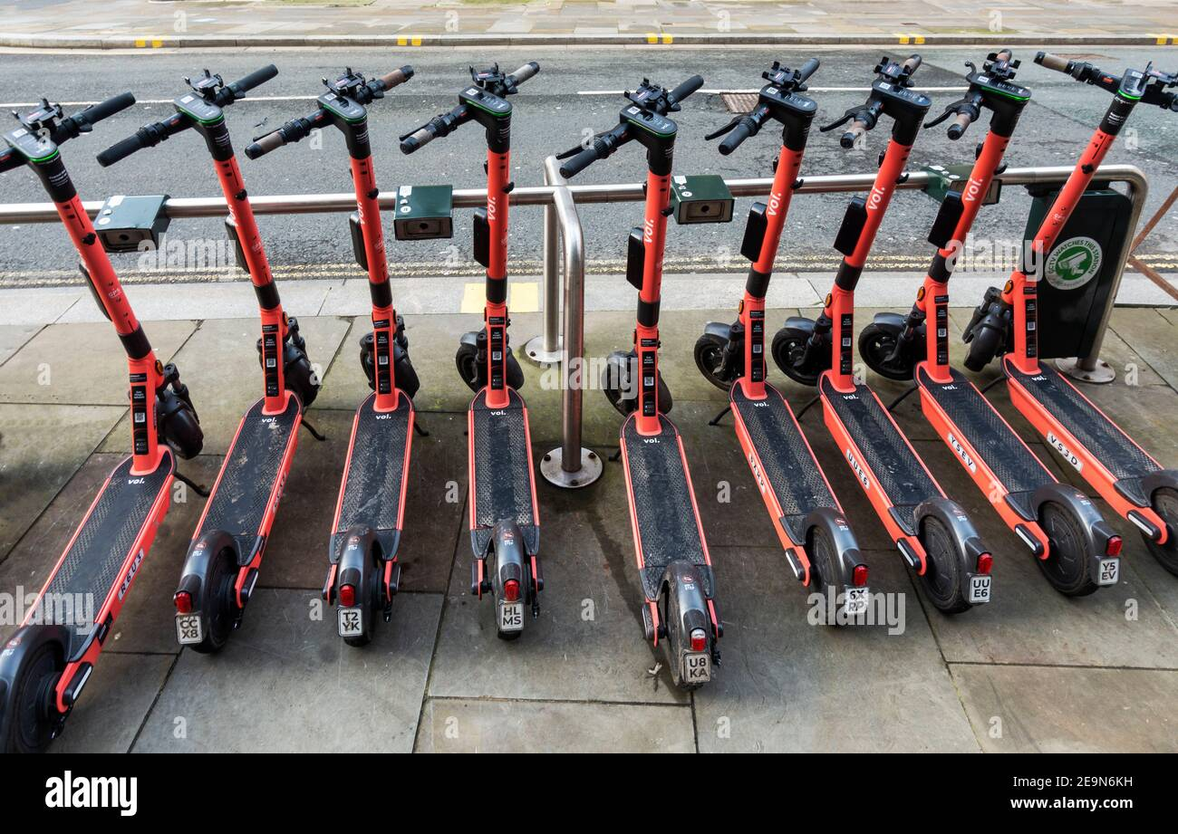 e-scooter-rental-trail-in-liverpool-2E9N