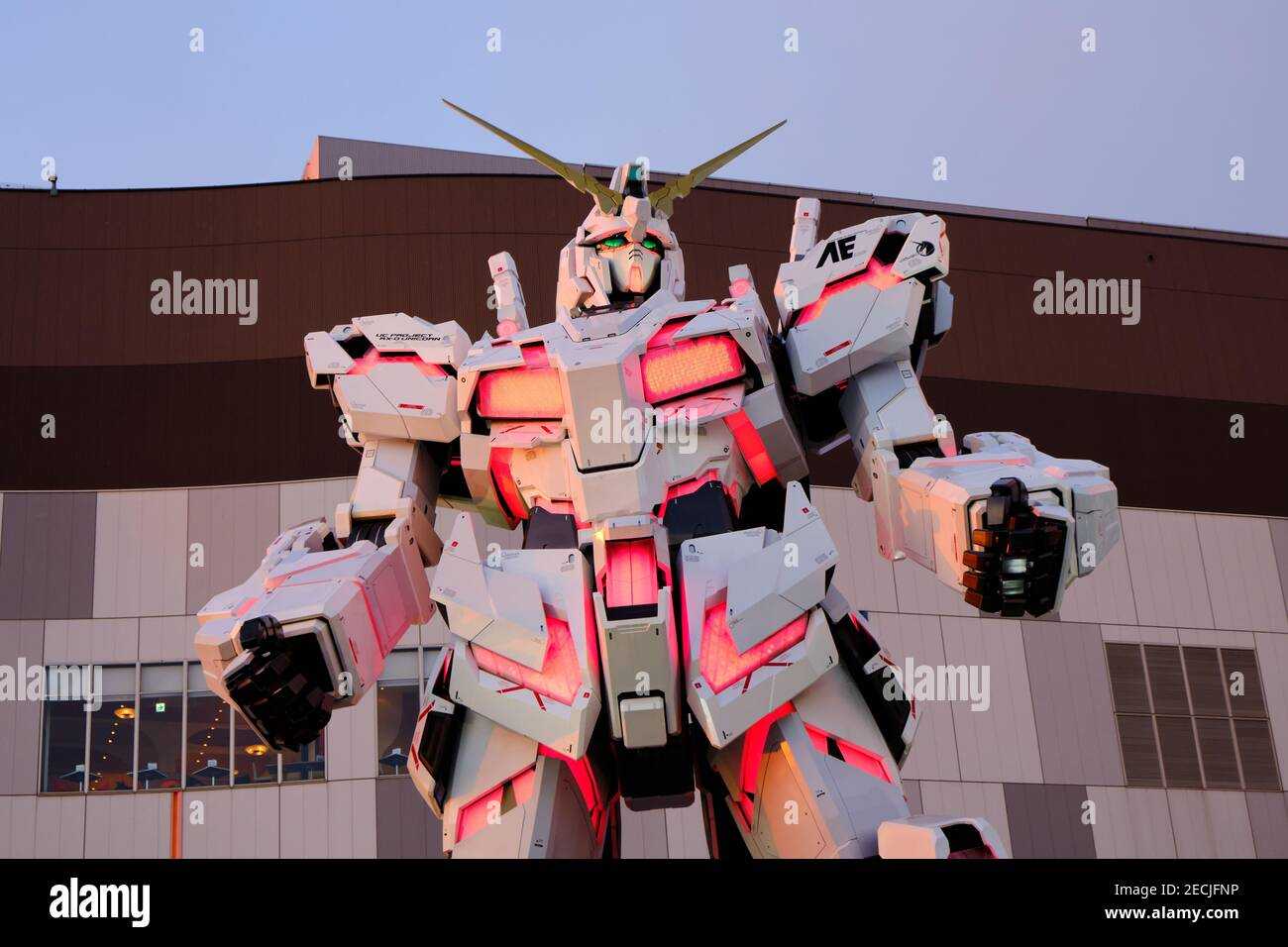 The Unicorn Gundam robot in front of the Divercity Tokyo mall Stock Photo