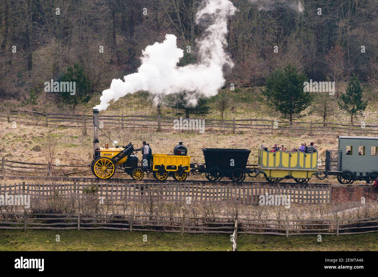 replica-of-stephensons-rocket-steam-locomotive-pulling-train-at-beamish-museum-north-east-england-uk-2EWTA46.jpg
