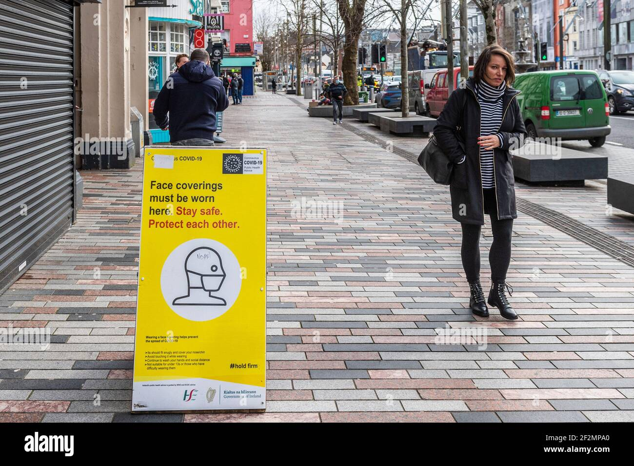 cork-ireland-12th-mar-2021-cork-city-centre-was-busy-with-people-today-despite-covid-19-level-5-restrictions-the-irish-government-has-said-restrictions-will-be-eased-on-5th-april-credit-ag-newsalamy-live-news-2F2MPA0.jpg