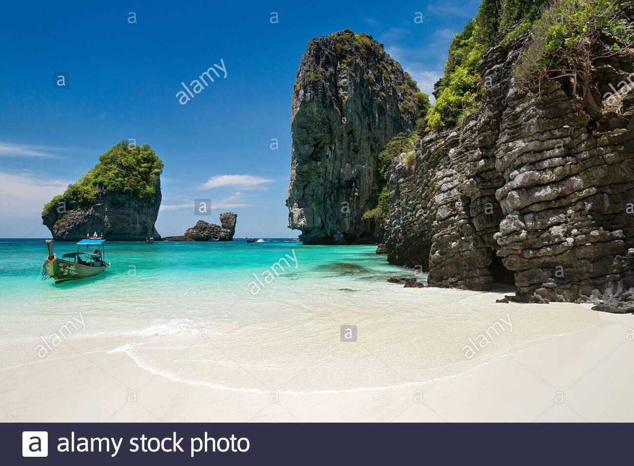 koh-phi-phi-don-island-lana-bay-thailand