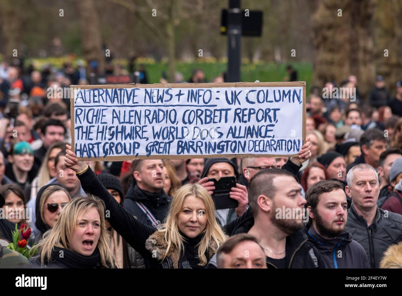 placard-at-a-covid-19-anti-lockdown-protest-march-in-westminster-london-uk-alternative-news-uk-column-richie-allen-radio-corbett-report-2F4EY7W.jpg